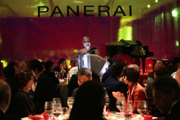"""開幕活動當晚,嘉賓們受邀出席沛納海以""""傳統與創新""""(When Tradition Meets Innovation)為主題的晚宴。"""