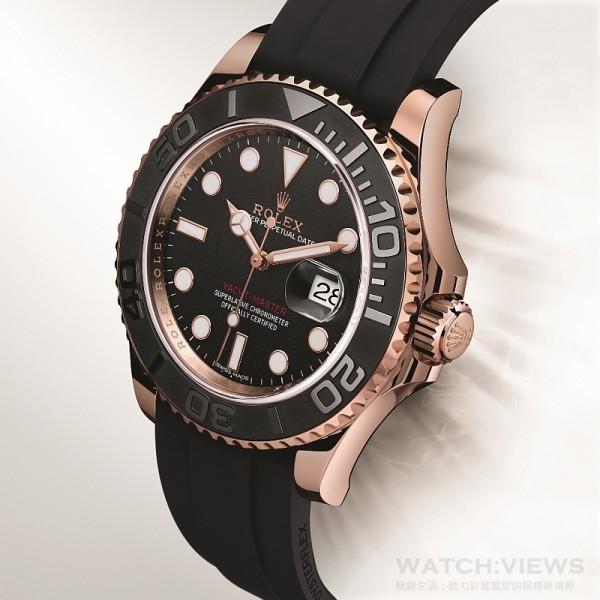 勞力士Yacht-Master全新18ct永恒玫瑰金黑色錶款配備雙向旋轉60分鐘刻度外圈配啞黑色Cerachrom陶質字圈,磨光立體數字及刻度。