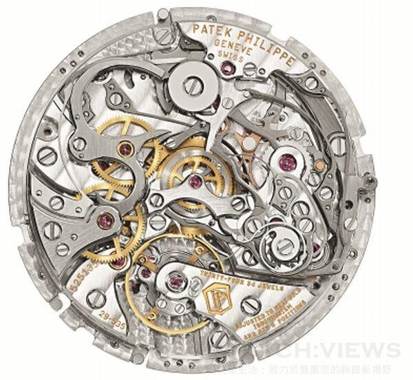 CHR 29-535 PS手上鍊機芯,直徑29.6毫米,厚度7.1毫米,零件數312,寶石數34  ,動力儲備最小55小時,最多65小時,Gyromax®擺輪,擺頻每小時半擺動28,800。