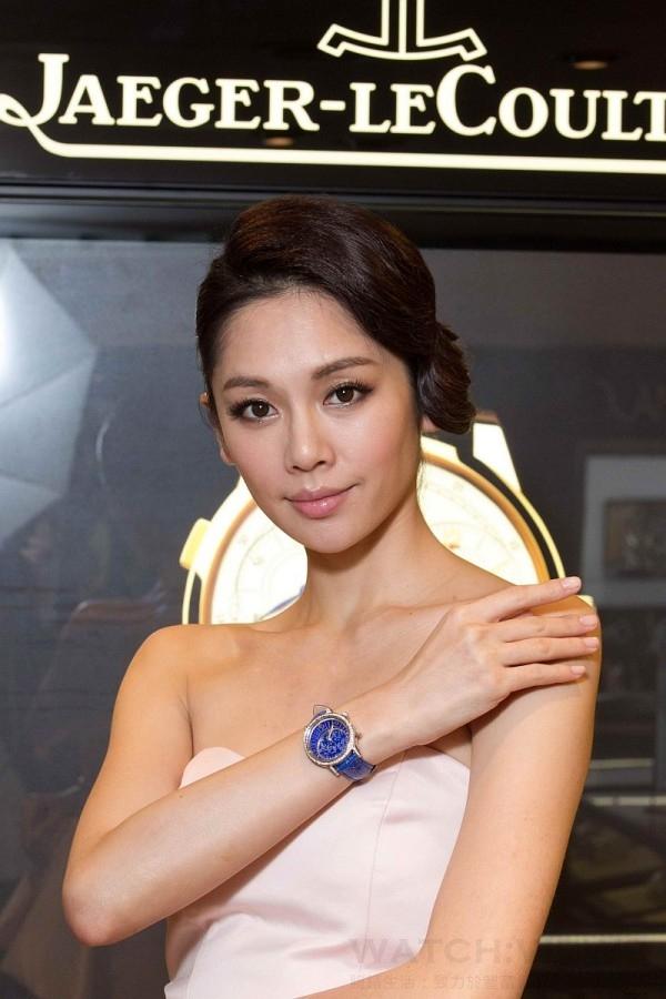 凱渥名模Kelly佩戴Jaeger-LeCoultre積家Rendez-Vous Celestial約會系列星空腕錶。