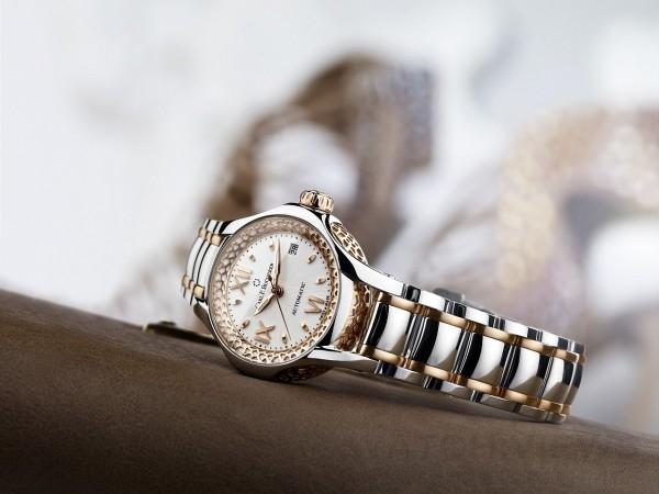 白蒂詩Queen腕錶,精鋼配18K玫瑰金錶殼,直徑26.5毫米,日期,小時,分鐘,秒,CFB 1969自動上鏈機芯,動力儲存38小時,抗折射弧形藍寶石水晶鏡面,藍寶石水晶錶背,防水深度30米,精鋼配18K玫瑰金錶帶,精鋼摺疊扣,建議售價NTD239,000元。