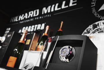 RICHARD MILLE向第六屆聖巴托帆船賽冠軍呈獻RM 60-01 Regatta飛返計時航海腕錶表示祝賀