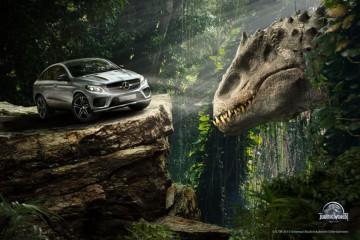 Mercedes-Benz 休旅大軍擔綱演出《侏羅紀世界》