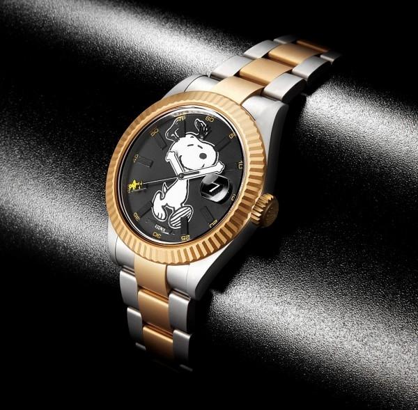 Bamford與Rodnik合作的Snoopy腕錶的Snoopy以歡愉奔跑的型態呈現,雙手為時針與分針,更加入了Snoopy的最佳夥伴:Woodstock(糊塗塌客),以秒針的方式,快速地繞著Snoopy打轉,栩栩如生。