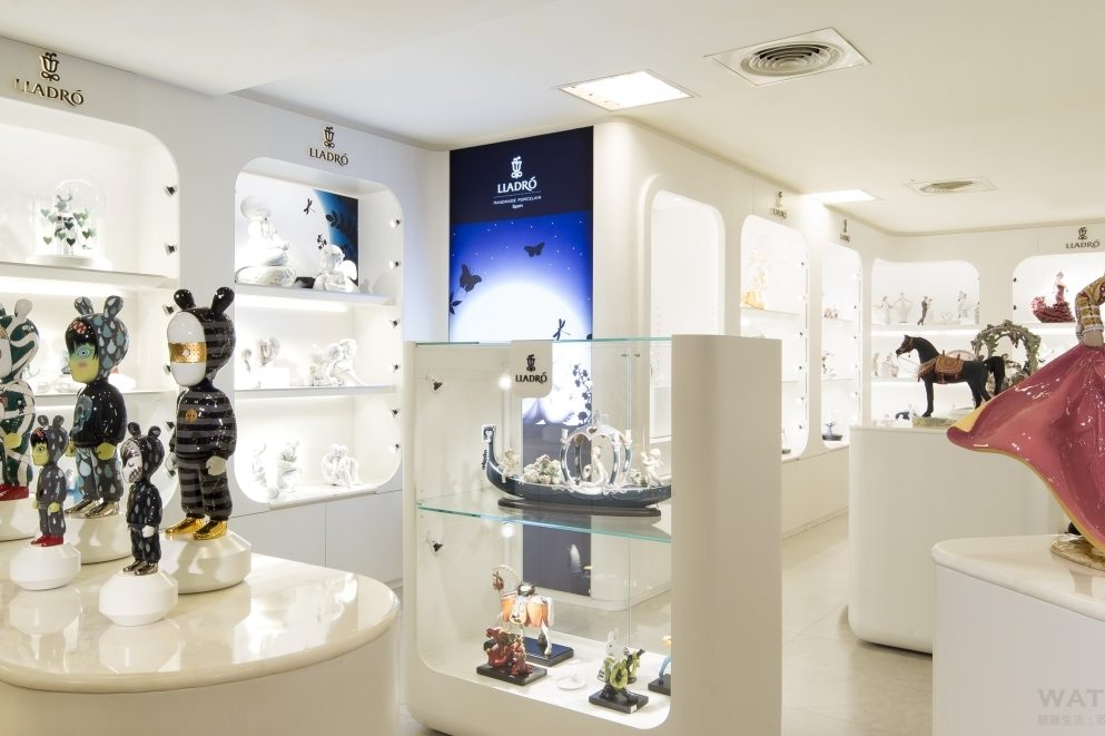 Lladró雅緻瓷偶最新概念店—台灣忠孝SOGO店,由西班牙鬼才設計師Jaime Hayon設計