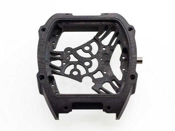 厚度不超過45微米的二氧化矽纖維層,經由特殊的自動化控制系統與NTPT®(薄層複合技術)碳纖維層交錯織成。接著,在高壓鍋中加熱至攝氏120度後,再送到ProArt加工成錶殼。
