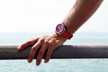 配備潮汐功能的高級腕錶:Corum Admiral's Cup AC-One 45 Tides豔陽系列