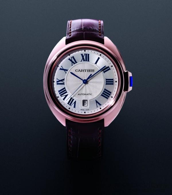 Clé de Cartier腕錶,18K 玫瑰金錶殼,錶徑40毫米,時、分、秒指示、半瞬跳式日期顯示,1847 MC自動機芯,藍寶石水晶鏡面、底蓋,動力儲存42 小時,搭配鱷魚皮錶帶,建議售價NTD605,000。