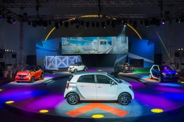 都會微型車品牌smart 旗下推出fortwo & forfour 兩種車型,充滿時尚樂趣主張。