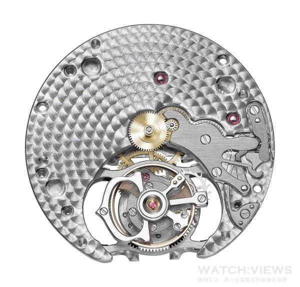 卡地亞9452 MC型工作坊精製手動上鏈機械機芯,搭載浮動式陀飛輪,框架直徑103/4法分,即24.50毫米,直徑:24.9毫米,厚度:4.50毫米,紅寶石軸19,機芯零件數142,擺輪震頻每小時21,600次,動力儲存約50小時