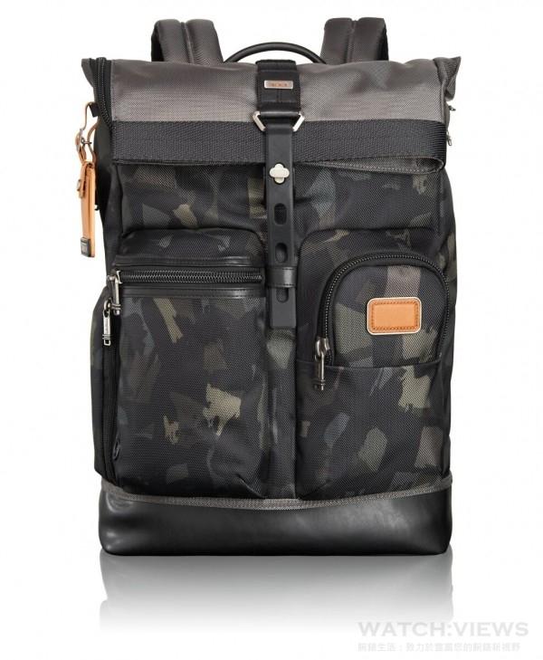 TUMI Alpha Bravo-迷彩捲口後背包,建議售價NTD17,300 。