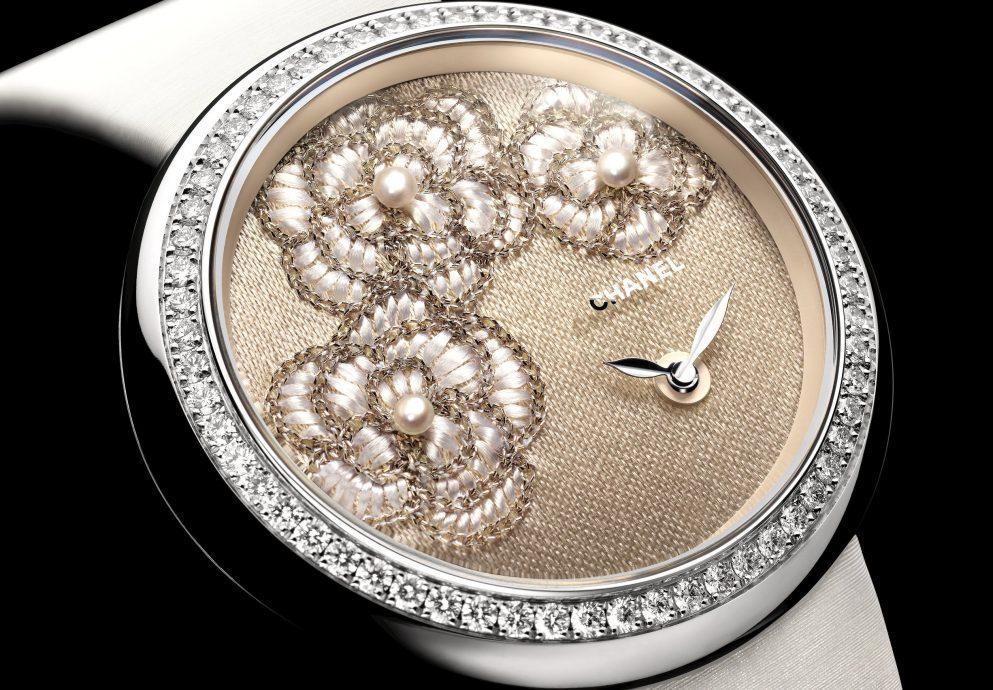 CHANEL為2015 ONLY WATCH獻上Mademoiselle Privé山茶花刺繡腕錶