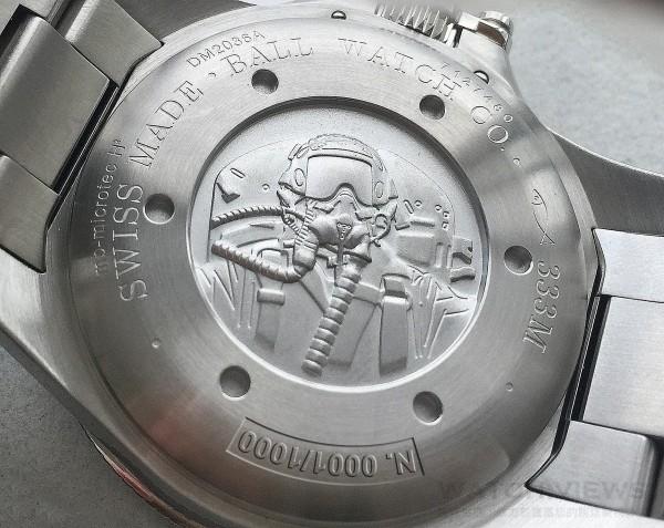 Engineer Hydrocarbon Silver Fox自動腕錶錶背鐫刻有羅伯特·斯蒂芬斯(Robert Stephens)上校飛翔英姿