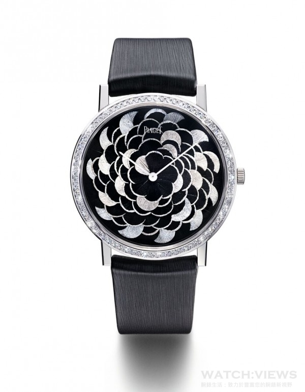 PIAGET ALTIPLANO羽毛鑲嵌工藝腕錶,38毫米,18K白金錶殼,鑲嵌78顆圓形美鑽 (約重0.7克拉),底蓋內印有Mythical Journey標誌,羽毛鑲嵌工藝錶盤,伯爵製430P超薄手動上鏈機械機芯,時、分指示,動力儲存約43小時,振頻每小時21,600次 (3 赫茲),黑色絹質錶帶,搭載白金針扣式錶扣,限量18枚,鐫刻獨立編號,型號G0A40595。