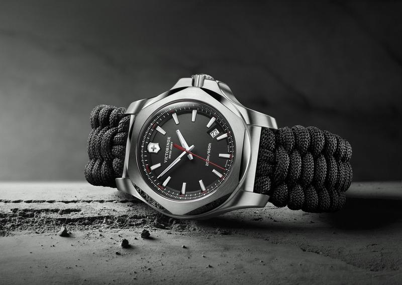 功能極致:Victorinox瑞士維氏I.N.O.X. Paracord全球特別版配備專業傘繩編織錶帶
