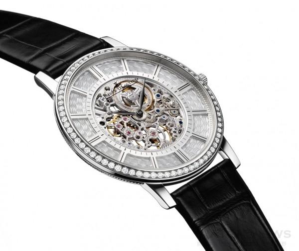 積家Master Ultra Thin Squelette 超薄大師系列鏤空腕錶(18K白金鑲鑽款),Q1343501,建議售價NT$2,390,000。