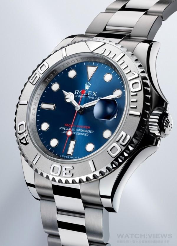 勞力士現行的各錶款間的變化不大,甚少推出一些稱得上是天馬行空款式的作品。然而,即便消費者可能無法從外觀的造型和性能一眼看出勞力士在精準度和實用性上循序漸進的不斷改良。圖示為Yacht-Master型號116622,其蠔式錶殼、賓士型指針 (Mercedes)、防水性能和可旋轉式計時外圈設計等,即便以今日的製錶水準來看都是經典的世紀鉅作。