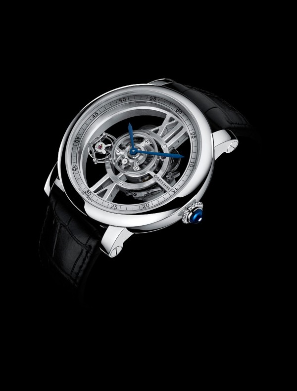 Rotonde de Cartier Astrotourbillon 天體運轉式陀飛輪鏤空腕錶,18K白金錶殼,錶徑47毫米,時、分指示、陀飛輪,9461MC 手上鍊機芯,儲能48 小時,藍寶石水晶錶背,鱷魚皮錶帶,防水30米,限量100 只。