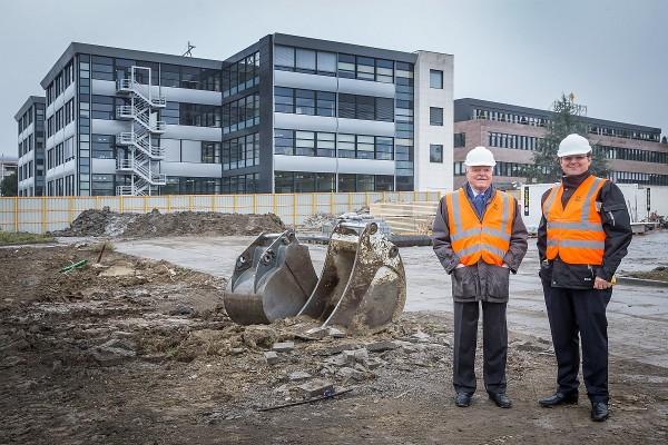 百達翡麗名譽總裁Philippe Stern及總裁Thierry Stern表示:我們很高興這棟新大樓的興建將可確保百達翡麗未來穩定而持續的發展,也強化品牌和日內瓦之間的聯繫和合作。