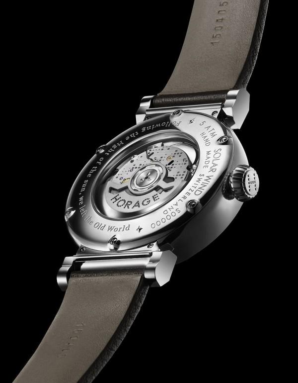Solar Wind腕錶同樣搭載品牌自製的 K1自動上鍊機芯。