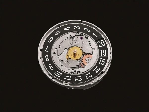Venturer Big Date冒險者大日曆腕錶的3點鐘位置設有超大日期窗,特點是以兩個上下交疊的日曆盤組成:上日曆盤顯示數字1至15,下日曆盤顯示數字16至31。獨創精巧的機制確保每一個數字都能恰好出現在日期窗的中心。