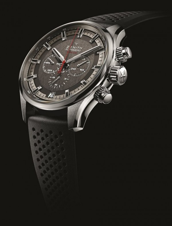 El Primero Sport腕錶均搭載El Primero 400 B型機芯,其優良品質讓人聯想到Zenith於1969年設計的同系列傳奇機芯— El Primero計時機芯。這款經典機芯不停跳動,以時間來證明它的傳奇盛名。機芯採用整合式導柱輪系統,每小時振動36,000次,以十分之一秒精準計時。