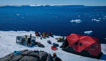 "BLANCPAIN與勞倫•巴列斯塔(Laurent Ballesta)踏上第三次""腔棘魚探險研究""之旅"