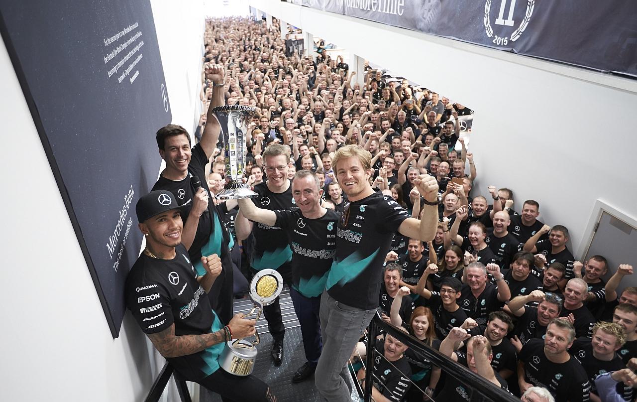 沙夫豪森IWC萬國錶祝賀路易斯‧ 漢米爾頓及其團隊雙雙奪冠,工程師系列限量腕錶添光彩