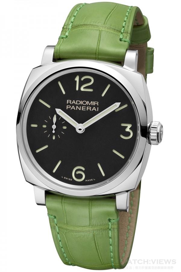 Radiomir 1940 3 日動力儲存精鋼腕錶PAM00574,不鏽鋼錶殼,錶徑42毫米,時、分、小秒針指示,P.1000手上鍊機芯,動力儲存72小時,藍寶石水晶鏡面,防水100米。建議售價NTD247,000。