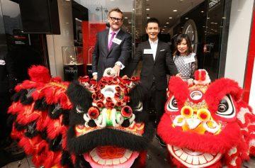 天梭表香港星光行旗艦店開幕,全球形象大使黃曉明與韓星李成敏幸福演繹最新情侶腕錶系列