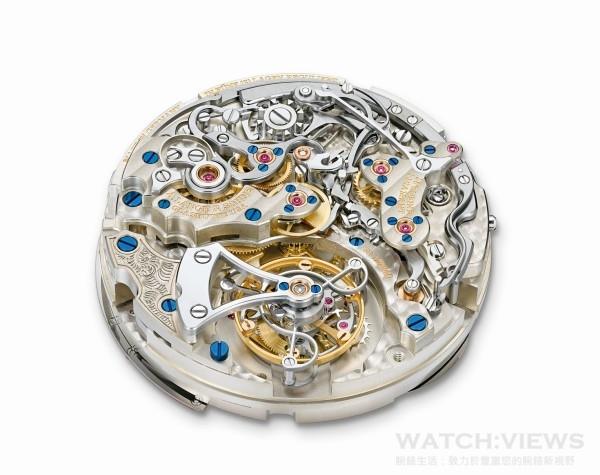 透過藍寶石水晶底蓋和鏤空陀飛輪橋板,可欣賞到朗格錶廠自製L952.2型機芯迷人的陀飛輪裝置。