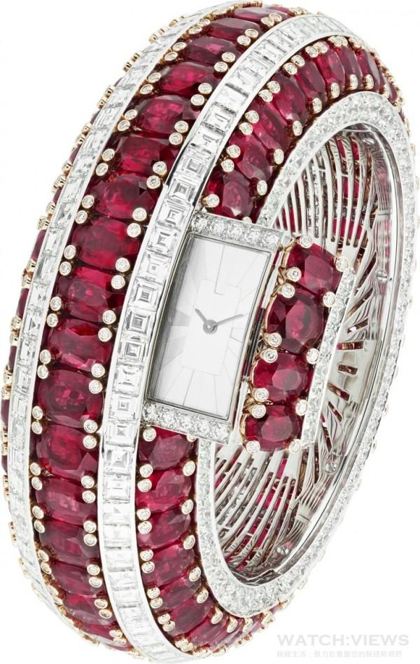 Rubis Secret 手鐲腕錶,白K金、鑽石、玫瑰金、115顆的橢圓切割紅寶石 (產地:莫桑比克)共重151.25克拉,搭載石英機芯,只生產一枚。