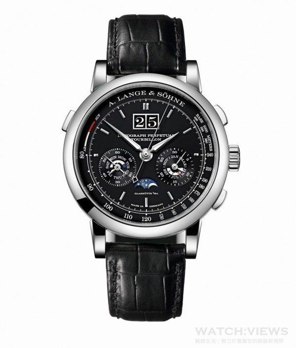 Datograph Perpetual Tourbillon萬年曆陀飛輪計時碼錶,950鉑金錶殼,錶徑41.5毫米,黑色實心銀錶盤,時、分、秒顯示,附專利停秒裝置的陀飛輪;具備精確跳分積分盤的飛返計時碼;計速刻度;附大日曆、星期、月份以及閏年顯示的萬年曆;日/夜顯示;月相顯示,朗格錶廠自製L952.2型機芯,動力儲能50小時,手工縫製鱷魚皮錶帶,限量100只。