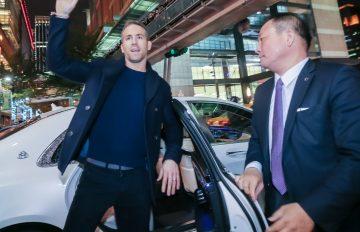 Mercedes-Benz 打造全程頂級迎賓格局,尊寵漫威英雄「死侍」萊恩雷諾斯