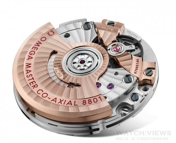 Planet Ocean 600M大師天文台腕錶搭載8801自動上鍊機芯