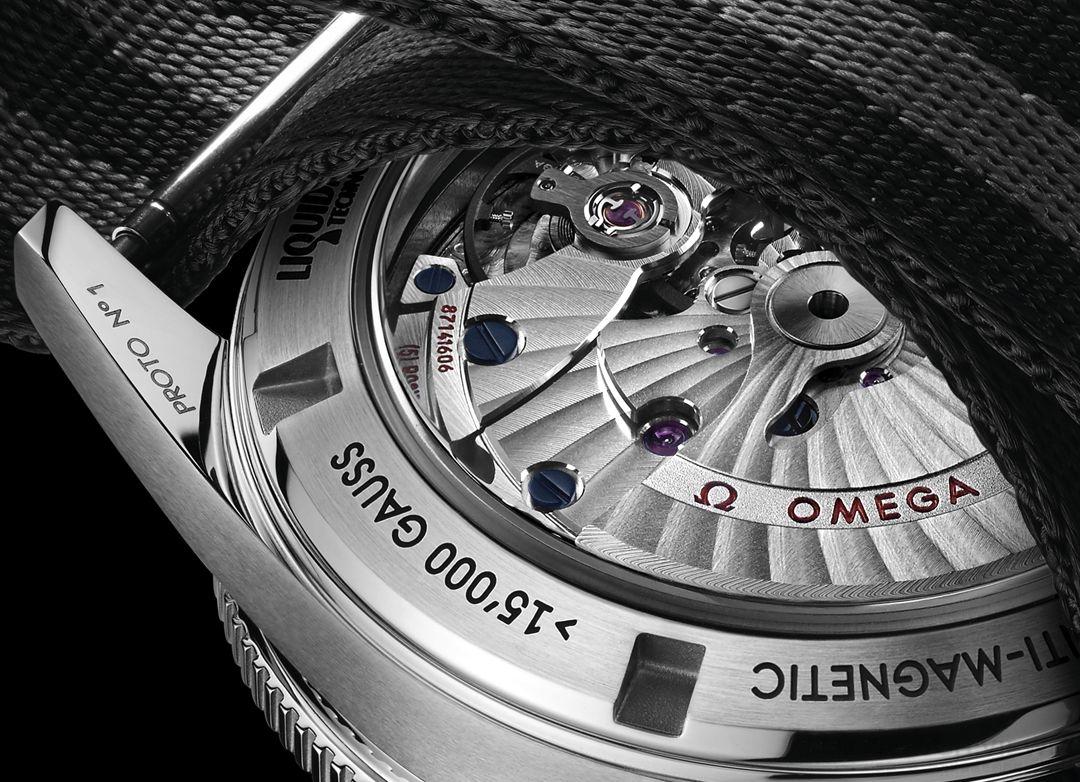 Omega海馬300《Spectre》限量版腕錶高價售出