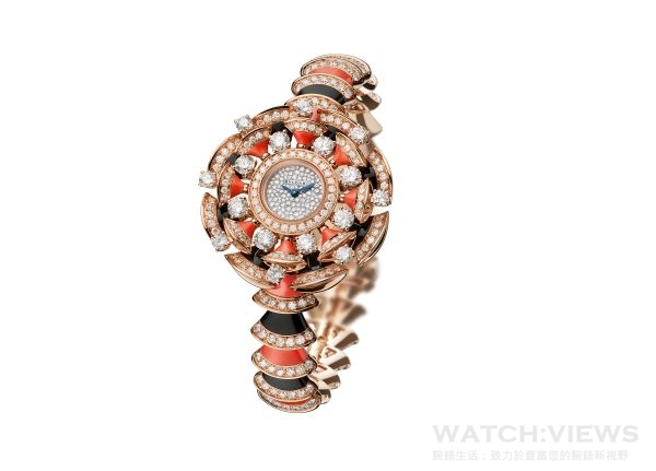 BVLGARI DIVAS' DREAM系列頂級珠寶腕錶,18K黃金錶殼與錶鏈,錶徑39毫米,鑲嵌402顆鑽石(總重約8.94克拉)、36顆彩色寶石,參考售價:約新台幣5,013,000元。
