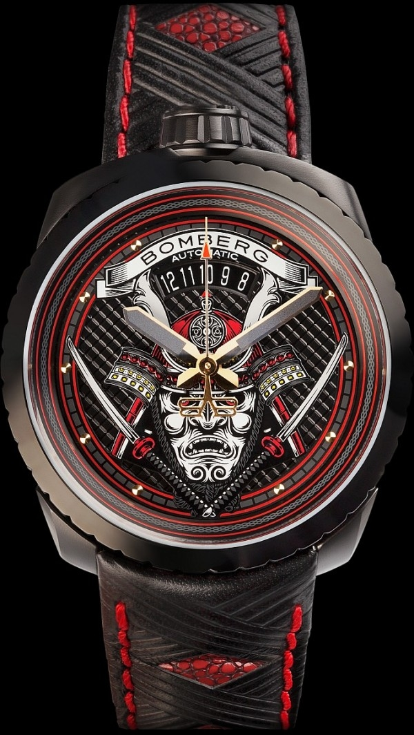 Bomberg Bolt-68 Samurai 武士系列腕錶,不鏽鋼錶殼,錶徑45 毫米,時、分、秒針、日期顯示,藍寶石水晶鏡面,防水100米。SW200 自動上鍊機芯,皮質錶帶。