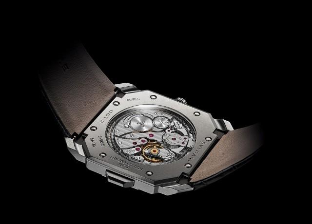 Octo Finissimo Minute Repeater超薄問錶搭載BVLGARI研發製造的BVL Calibre 362機芯,厚度僅3.12mm,整體錶殼厚度只有6.85毫米。