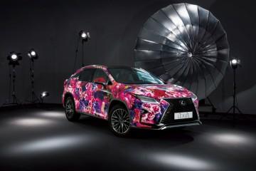 現實與夢幻的華麗邂逅:LEXUS與蜷川實花打造全球最絢麗的RX彩繪車,將在台北當代藝術館現身
