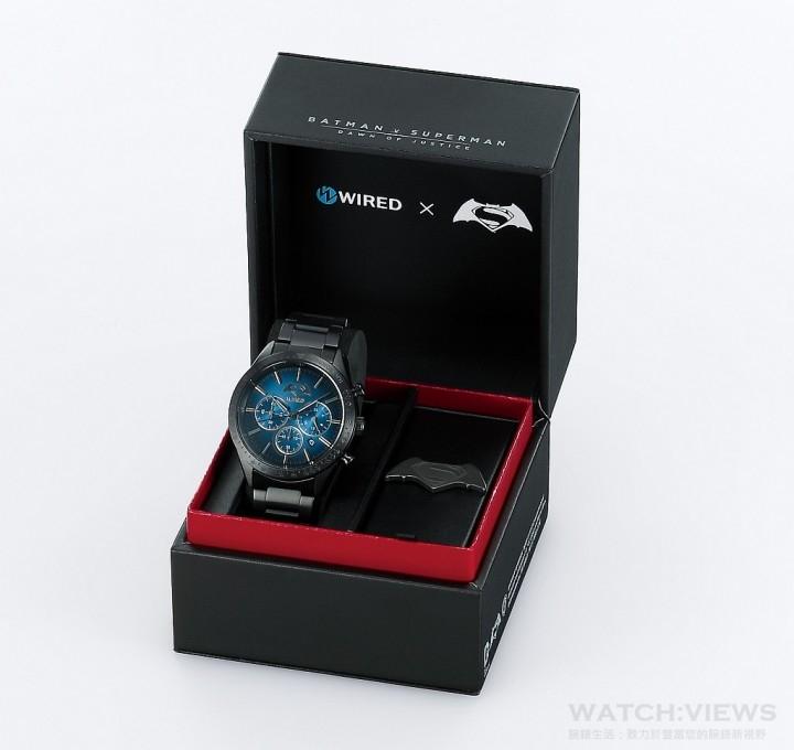 WIRED×《蝙蝠俠對超人:正義曙光》限量聯名錶款,建議售價NT $8,900。