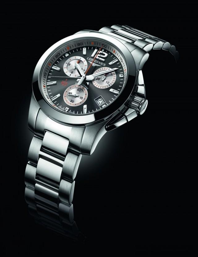 浪琴表征服者系列1/100th法網計時碼錶 L3.700.4.79.6                                           建議售價:NTD51,900 身為自2007年起於羅蘭高地球場舉辦的法國網球公開賽官方指定合作夥伴暨計時廠商,瑞士製錶公司浪琴表驕傲獻上計時精密度達百分之一秒的征服者系列新款計時碼錶:征服者 1/100th 法網計時碼錶。製作這款特別版計時碼錶是為了紀念這項最偉大的紅土球場網球賽事,而其獨特機芯更採用最新一代技術。指針、面盤或凸緣刻度的橘色元素巧妙地顯現法國網球公開賽球場的代表性紅土,而底蓋則鐫刻Roland Garros商標。