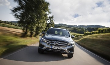 Mercedes-Benz穩坐第一季進口豪華車銷售冠軍寶座,推出四月超值購車優惠方案讓您輕鬆摘星