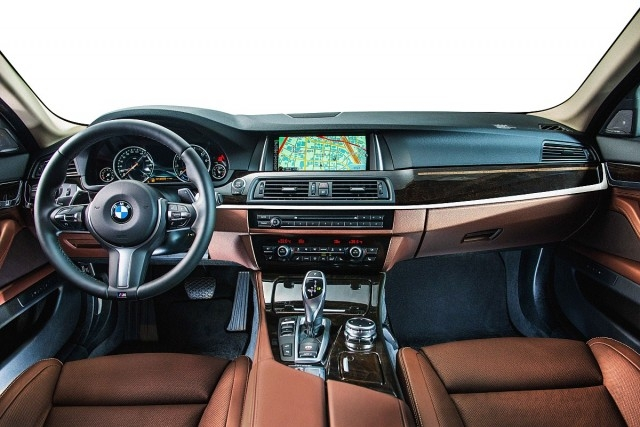 BMW 528i Pure Luxury配備Nappa真皮內裝