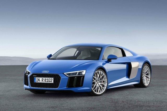 Audi原廠工程研發團隊匯聚多年來征戰賽道的豐富經驗,將品牌旗下最先進的賽車科技,毫無保留地挹注到The new Audi R8車系,賦予其傲視同級對手的前衛設計與進化科技之雙重優勢,即將再次重新定義Super Car級距的新基準!(圖為Audi R8 V10車型)