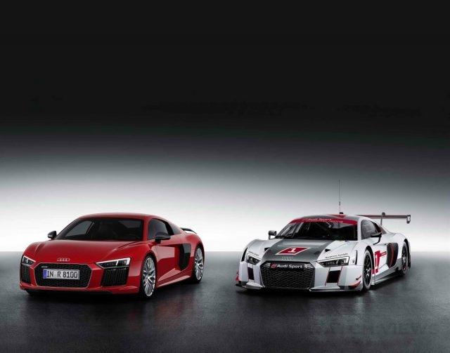 The new Audi R8由quattro GmbH工廠以全手工精心打造,承襲Audi R8 LMS賽車純正競技血統,除了共用零組件比例達50%,並且融合高剛性CFRP碳纖維材質的ASF (Audi Space Frame)輕量化車身結構,不僅總重量減少15%,車體剛性更是同步大幅提升。