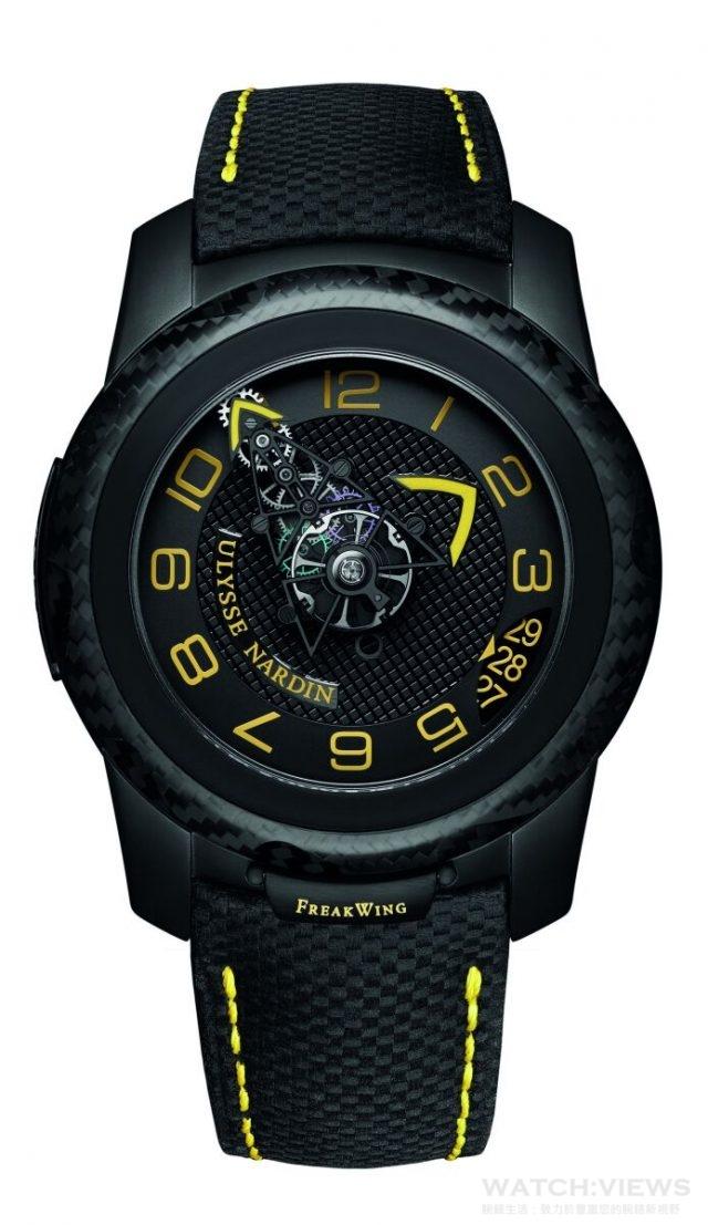FreakWing陀飛輪錶,黑色鈦金屬錶殼,碳纖維錶圈,錶徑45毫米,UN-210機芯透過機芯運轉顯示時/分,日期顯示,鬆開鎖定裝置轉動外圈可設置時間,逆時針方向轉動調時錶圈則可調校日期,1小時陀飛輪,UlyChoc 安全系統用於調節部份,動力儲存8天,藉由轉動錶底蓋帶動上鍊機制,錶底蓋轉動一圈相等於儲存12小時的動力,黑色真皮錶帶附有碳纖維圖案,限量35枚。