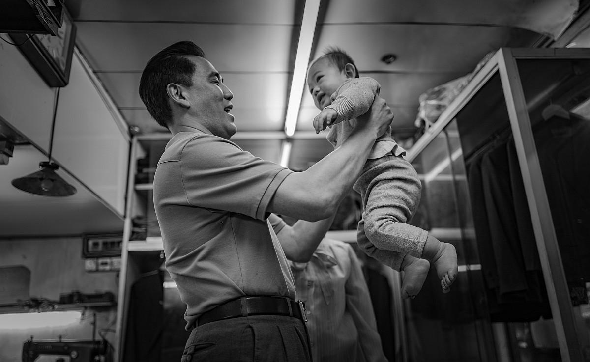 Victorinox 瑞士維氏推出「路.放膽走」微電影系列,宣揚品牌百年精神
