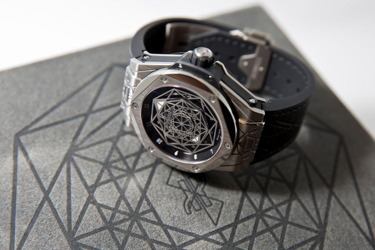 幾何創意詮釋時間──Hublot Big Bang Sang Bleu腕錶