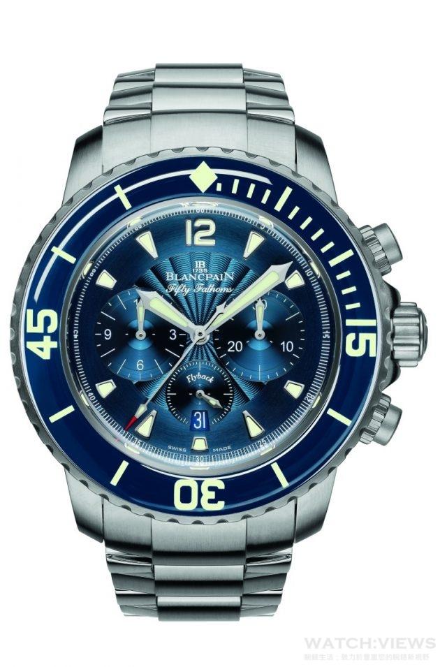 BLANCPAIN 五十噚飛返計時碼錶,300 米防水,配備雙面防反射藍寶石水晶錶鏡,及BLANCPAIN 經多年研發的獨有專利技術配件;腕錶具飛返計時功能,搭載F185 機芯,單向旋轉藍寶石錶圈與防磁框架,磨砂緞面不鏽鋼,直徑45mm,出色藍色錶盤以及實用功能,突顯佩帶者獨特品味。